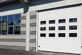 Serramenti per aziende rifacimento facciate capannoni industriali Bonomo Chiusure