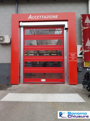 Portone sezionale ad avvolgimento rapido installato in provincia milano monza-brianza