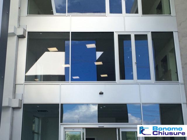 Serramenti in alluminio per uffici facciate commerciali provincia milano monza e brianza